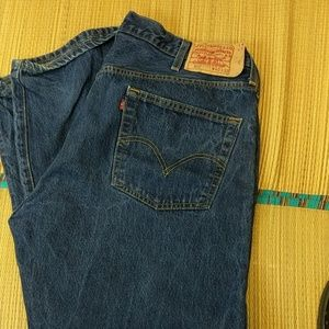 Levi's 501 40 by 32 button fly mens relaxed